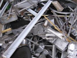 Wohin mit Aluminium-Schrott? Schrottplatz Strausberg bietet Lösungen